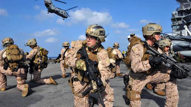 К берегам Сомали отправилось 5 000 американских морских пехотинцев
