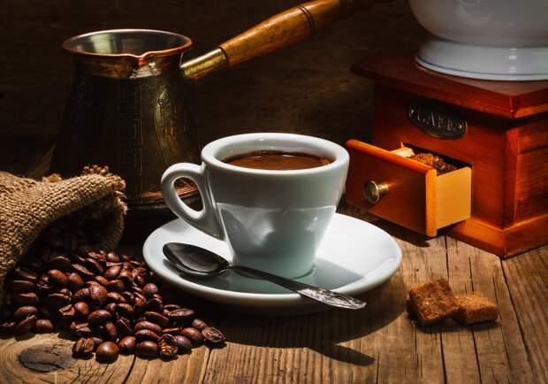 Почему на полдник нужно пить кофе, а не чай. И какие булочки к нему подать