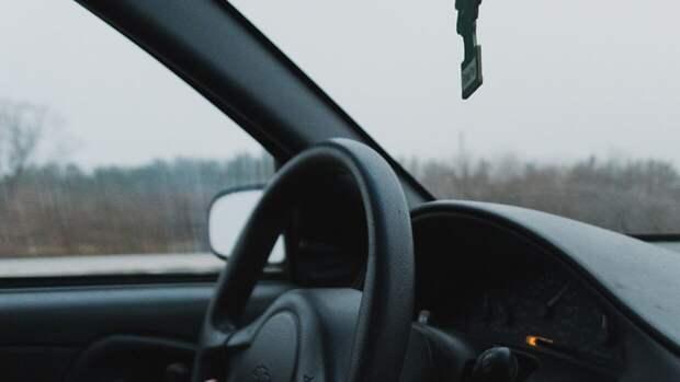 Труп мужчины найден в закрытом автомобиле в Хакасии