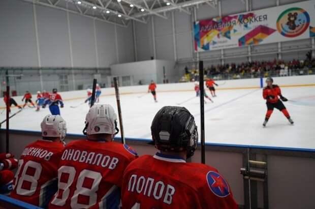 Телеведущий Евгений Попов: спорт должен прийти в каждый двор