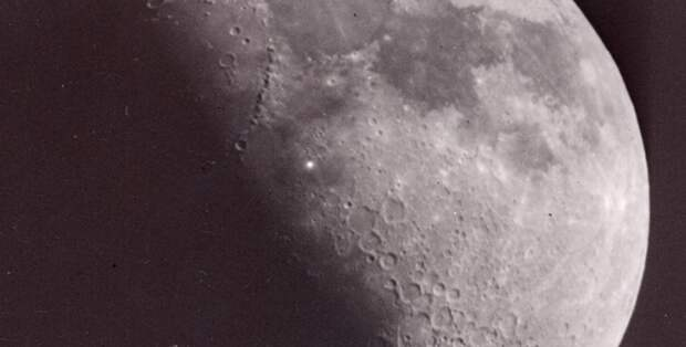 """1 декабря на базе """"марсиан"""" на Луне произошел огромной силы взрыв"""