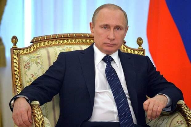Как бы к Путину не относились, но в апреле он снова всех спас