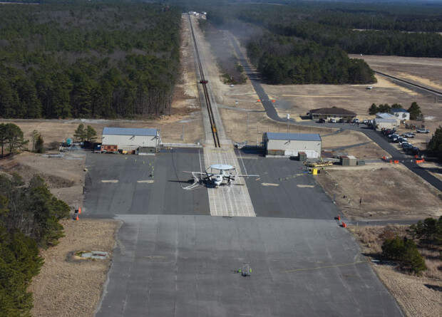 Электромеханический аэрофинишер испытали аварийной посадкой самолета