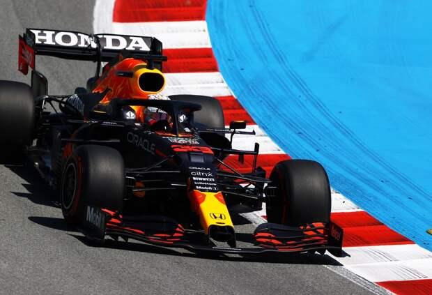 FIA приняла меры после жалобы Льюиса Хэмилтона на Red Bull Racing