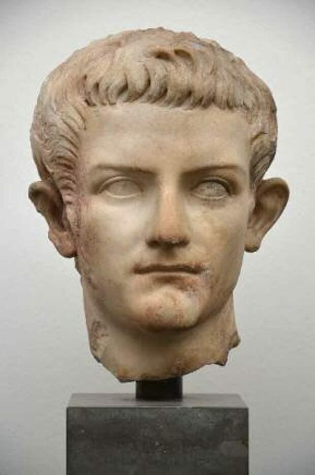 """Калигула - """"монстр"""" Римской империи"""