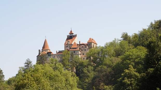Марафон в замке Дракулы: жителей приглашают на вакцинацию COVID-19