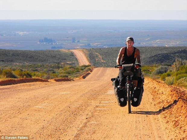 Доктор, который объехал на велосипеде весь мир и лечил пациентов в 73 странах