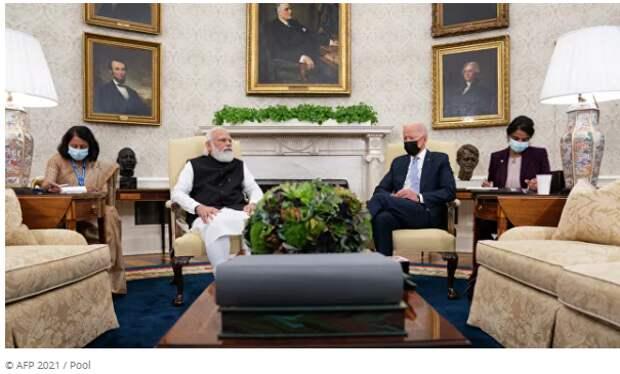 Москва и Пекин предостерегают Индию: она будет лишней
