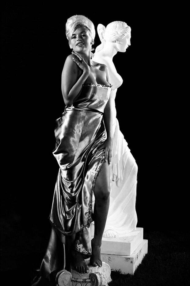 Монументальная красота Джейн Мэнсфилд