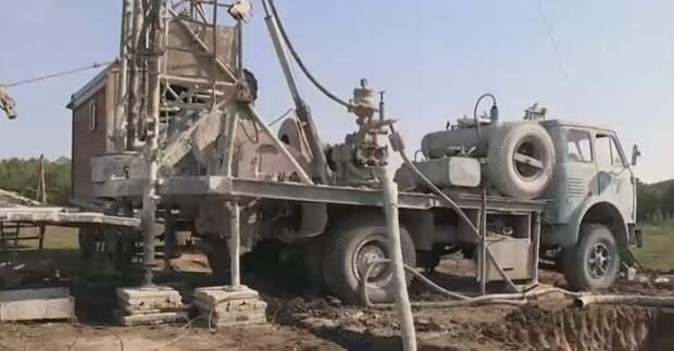 В регионах Крыма продолжают бурить скважины и тянуть водоводы
