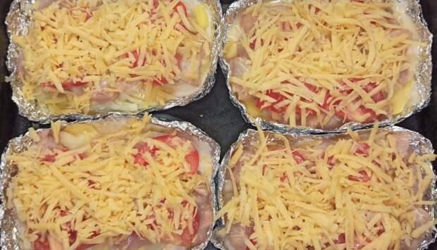 """Куриное филе""""Сюрприз"""" с картошкой и сыром"""
