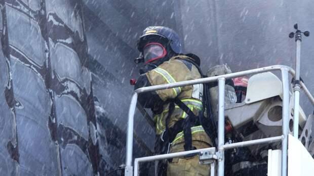 В Хабаровске ликвидировали пожар в многоэтажном доме