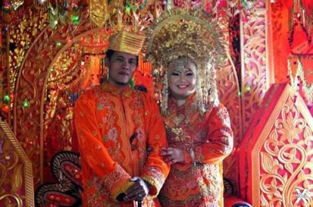 Свадьба минангкабау. Жених и невеста