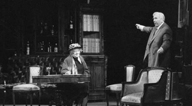 «Великая и ужасная»: 125 лет со дня рождения Фаины Раневской