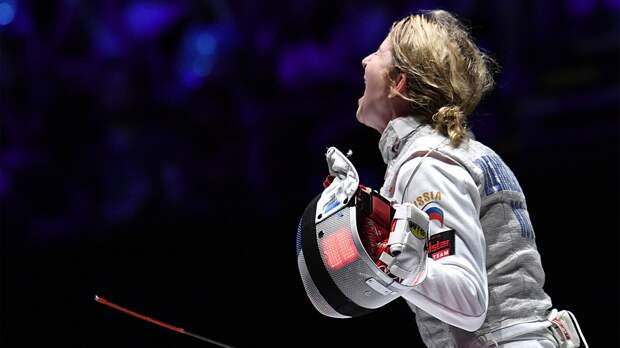 Крики, куча видеоповторов, троллинг судей. Рапиристка Дериглазова стала пятикратной чемпионкой мира