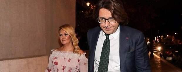 Малахов отказался заключать брачный контракт с супругой