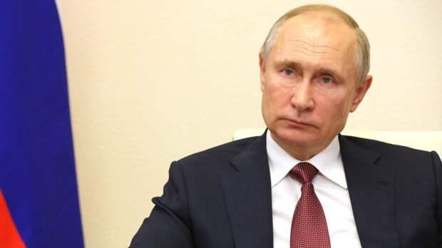 Путин заявил, что верит в версию Лукашенко о ситуации с самолетом в Минске