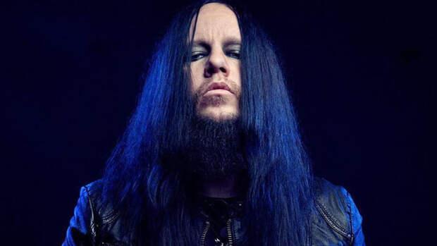 Страницы Slipknot в соцсетях окрасились в черный после смерти экс-барабанщика