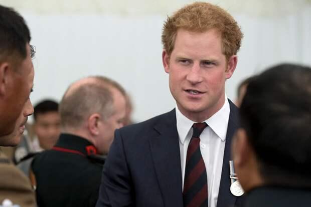 Принц Гарри рассказал о проблемах с алкоголем из-за смерти матери