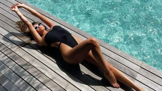 Севастьянова сфотографировалась в шикарном купальнике: фото