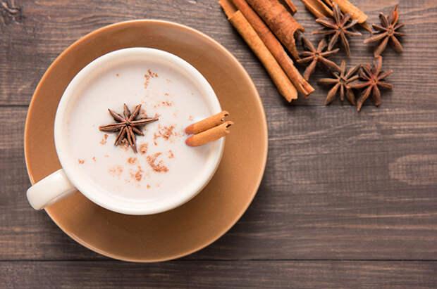Рецепт пряного напитка, заваренного на молоке со смесью специй, родом из Индии.