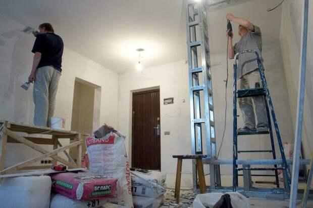 Во время косметического и глобального ремонта пара лишних простыней никогда не помешает. /Фото: pbs.twimg.com
