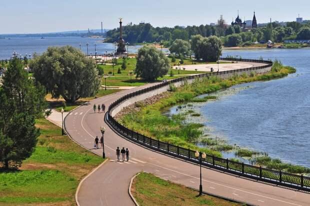 В Ярославле детям и подросткам запретили посещать торговые центры