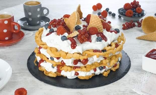 Хрустящий ажурный торт с кокосовым кремом: потрясающий десерт