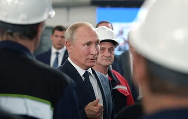 Путин принял участие в закладке новых десантных кораблей в Керчи