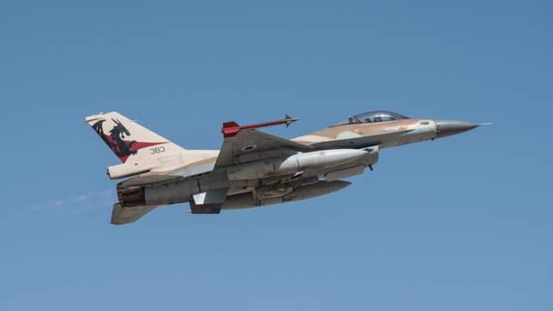 Израильский истребитель поразил объект военной разведки ХАМАС в секторе Газа