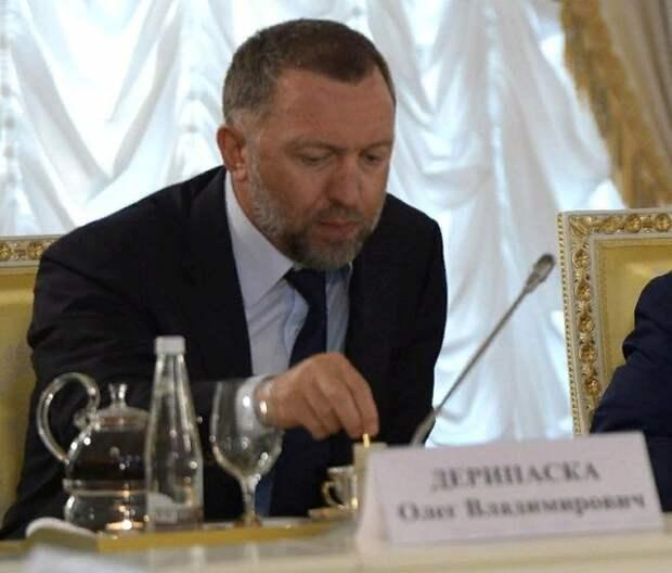 Дерипаска предложил считать изменой провоцирование санкций, в Кремле ответили