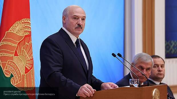 """Лукашенко: Польша надеется взять Белоруссию """"тепленькой"""""""