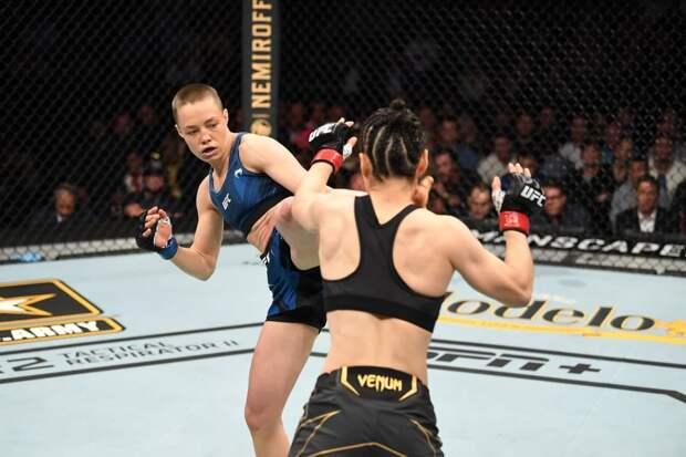 Американская литовка - новая чемпионка UFC. Она вырубила крутую китаянку за 78 секунд, пробив с ноги в голову