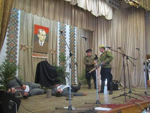 """""""Театральная постановка"""""""