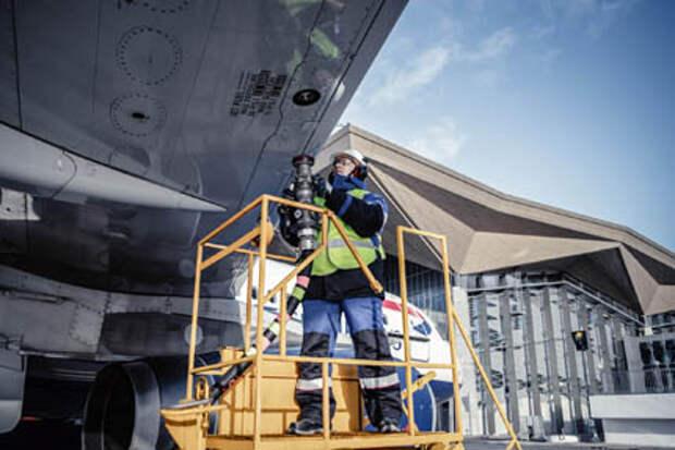 """""""Газпромнефть-Аэро"""" планирует к 2030 году войти в ТОП-10 крупнейших авиатопливых компаний мира"""
