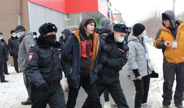 Правозащитник проверил, неизбивалили задержанных нанезаконном митинге вОренбурге