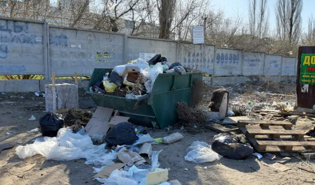 Замглавы Орска поручил проверить график вывоза мусора с контейнерных площадок
