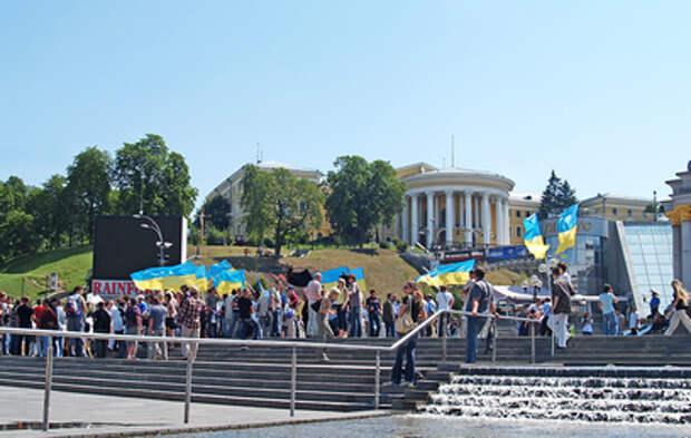 В итальянском учебнике географии Украину включили в состав России
