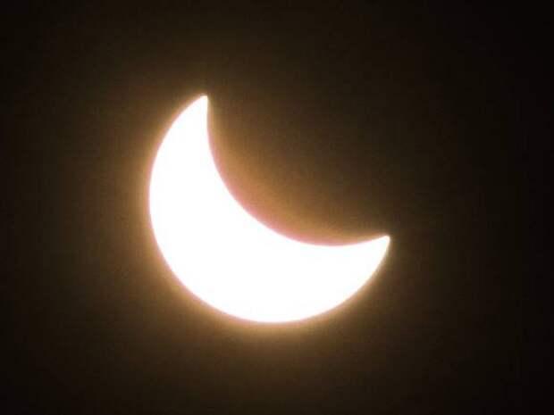 Жителей северного полушария впечатлило «кольцо огня» во время солнечного затмения (фото)