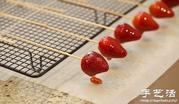 РОЗЫ, ЦУКАТЫ, топиарий из клубники. Фруктовый карвинг (36) (600x351, 126Kb)