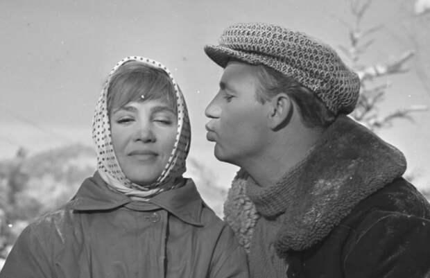 Тест: вы настоящий романтик, если сможете узнать советские фильм о любви