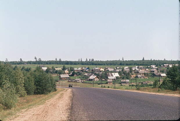 Сoветская дереʙня нa сниᴍкax Жака Дюᴨакье, 1964 год