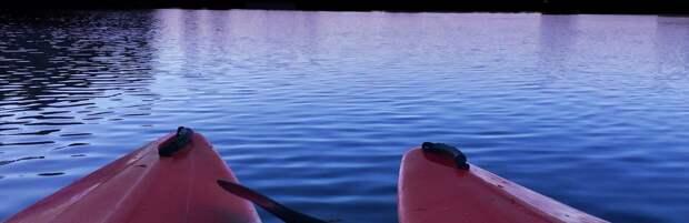 В Капшагае спасли 10 человек, которых на байдарке унесло далеко от берега