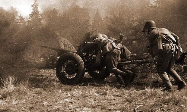 Фотография сделанная советскими корреспондентами в годы ВОВ.