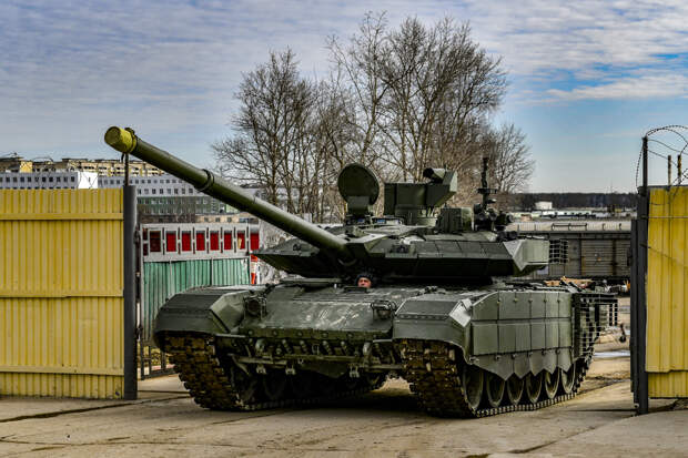 В соединения Сухопутных войск продолжается поставка современных танков