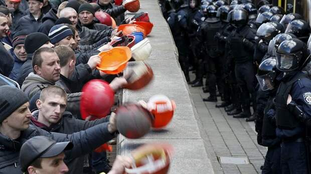 Киевский наркотик: чем больше бедности, тем больше миллионеров