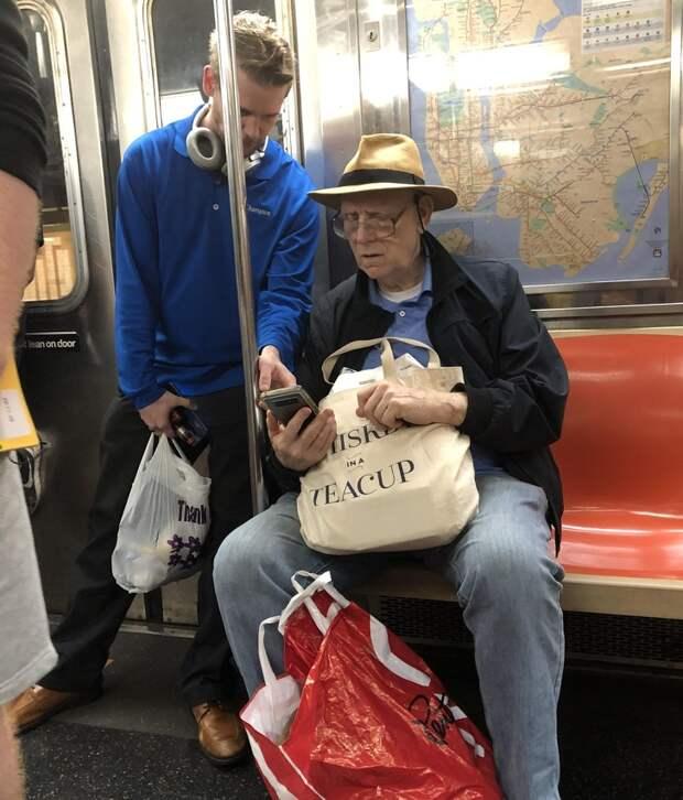 20 трогательных фотографий о том, как выглядит настоящая доброта