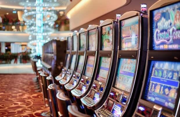 Жителя Удмуртии задержали за организацию подпольного казино и нарушение авторских прав