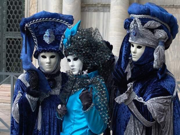 Коронавирус заставил провести Венецианский карнавал в интернете