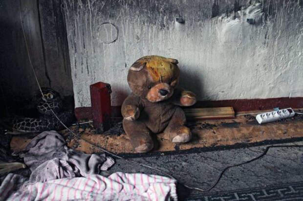 В Краснодаре двое детей надышались угарным газом во время пожара